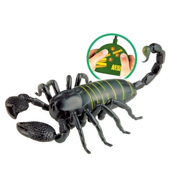 Скорпион с дистанционно управление